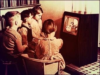 50s kids watcing tv