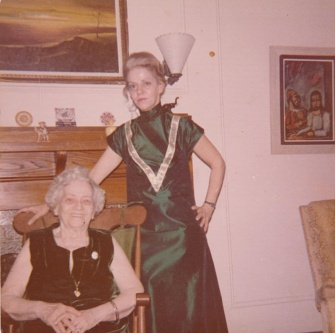 mum and gram xmas 1972
